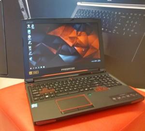 Acer Predator G9-593 front